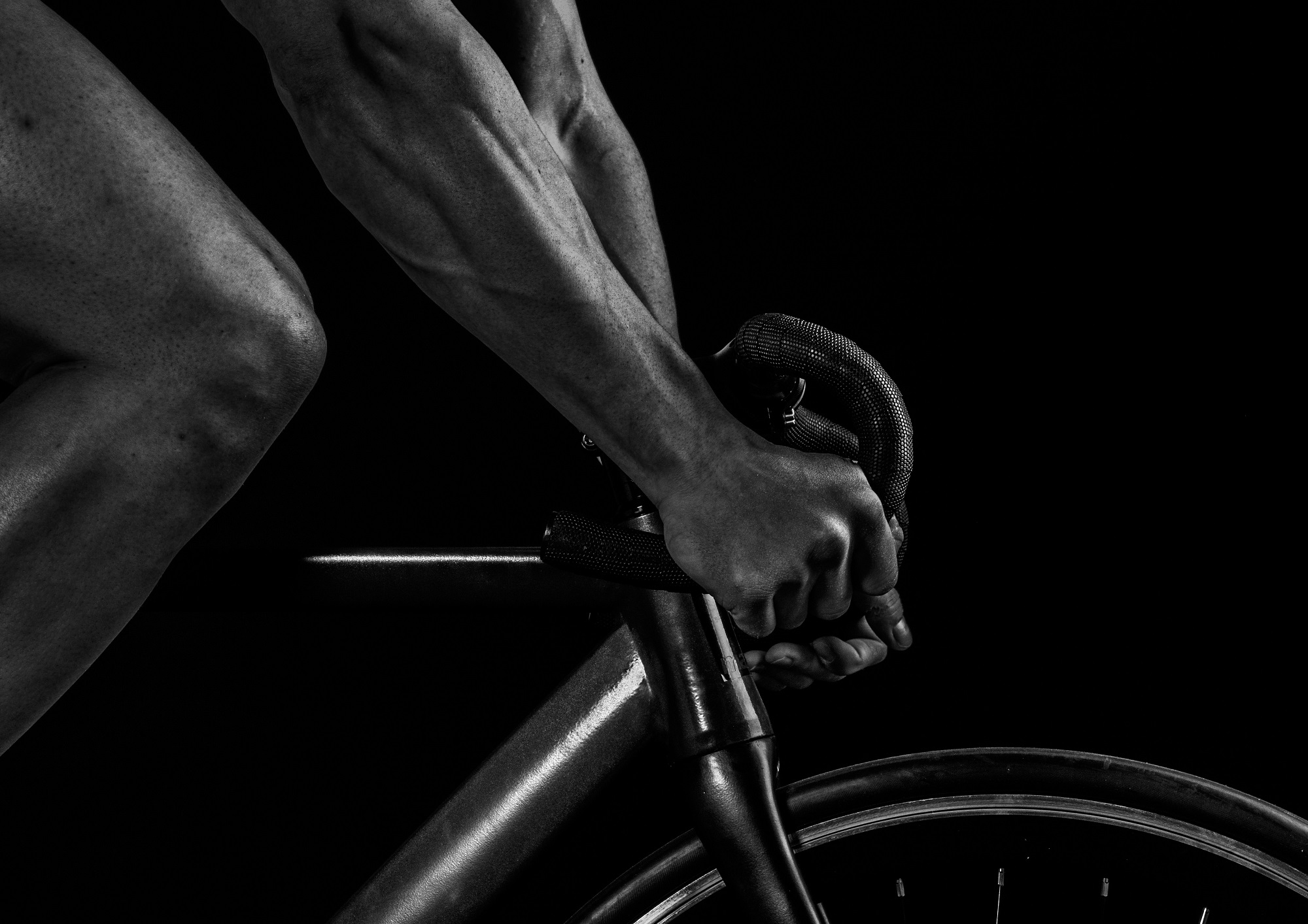 Bike fitting is not the same as finding the right size bike. Although many people confuse the two, they are very different. If you want to stay injury-free and have higher speed and power, you'll want to have a properly fitted bike.