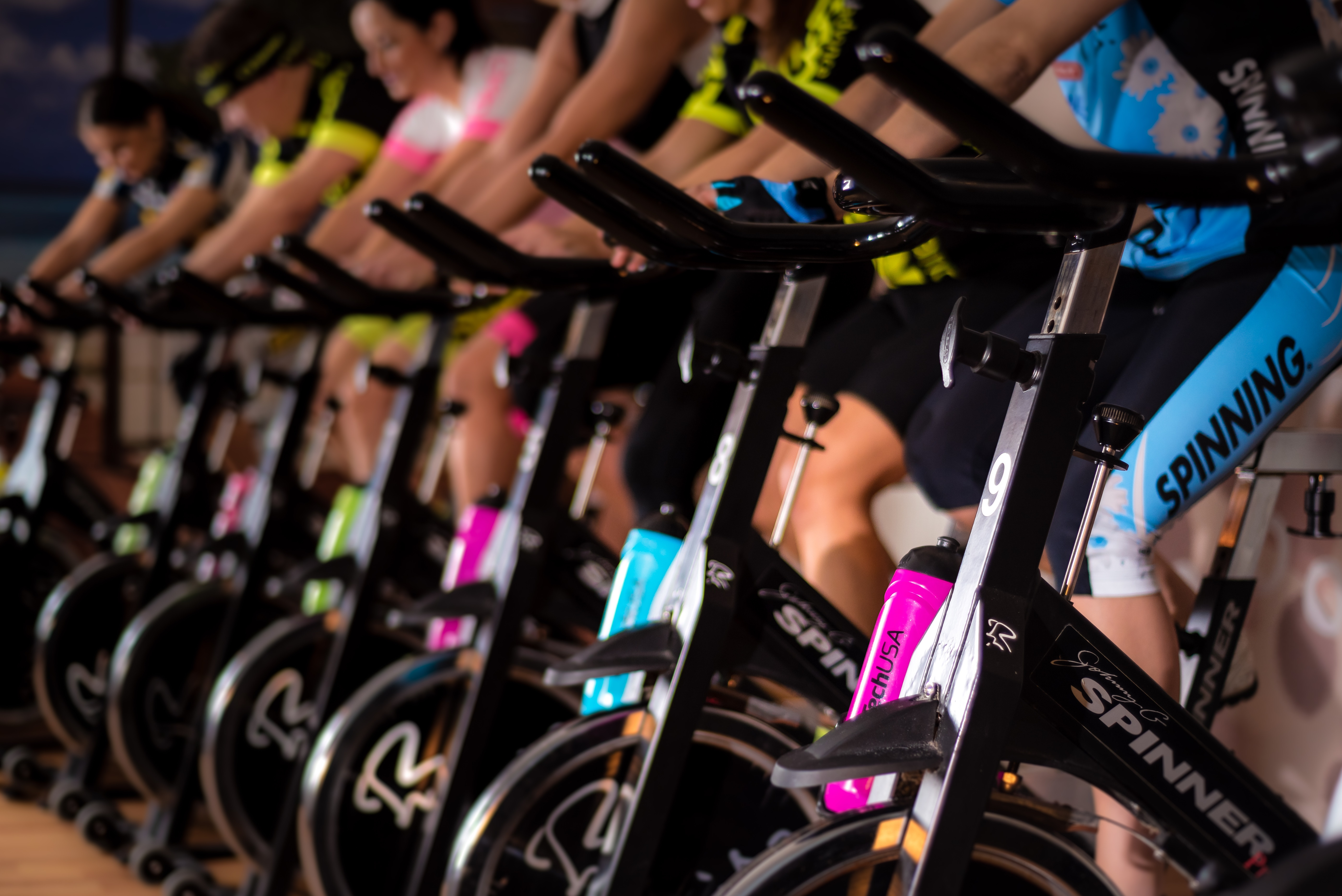 The best course of action to take when you're injured is to follow your rehab without fail. However, that doesn't mean you can't train or exercise at all. Safe ways to train during injury recovery are smart ways to train always.