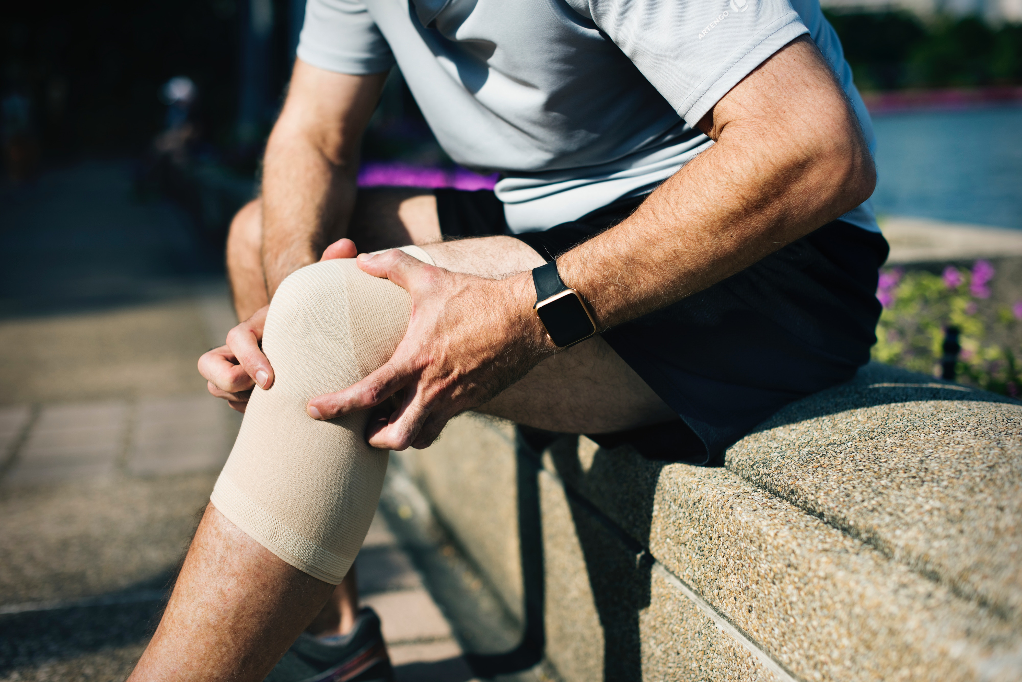 Knee injuries are some the most common injuries for which athletes seek surgery. Yet, there are alternatives to surgery for some knee injuries, such as a torn meniscus. The answer? A new study found that physical therapy is just as good if not better than surgery.